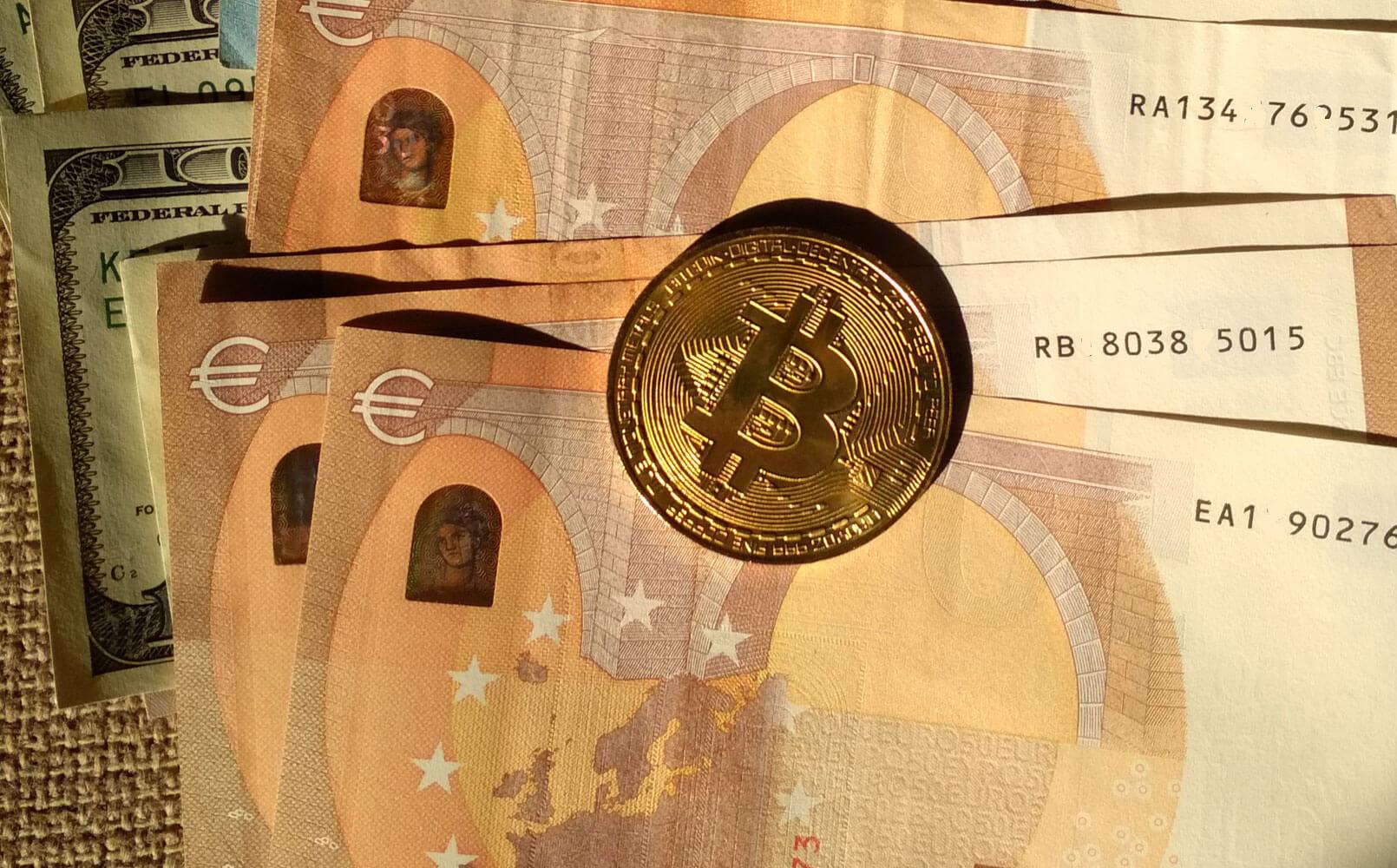 Bitcoin или евро